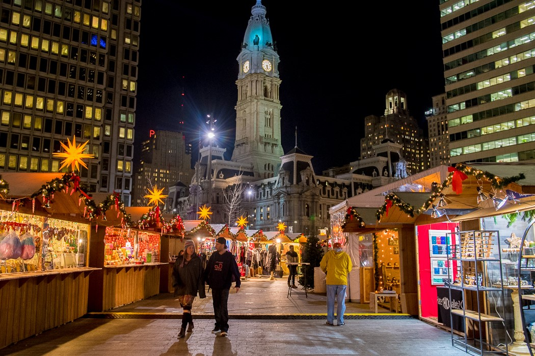 LOVE Park Christmas Village - COMCAST'S MACHINEQ USES inteliLIGHT® TO DEPLOY ITS SMART CITY