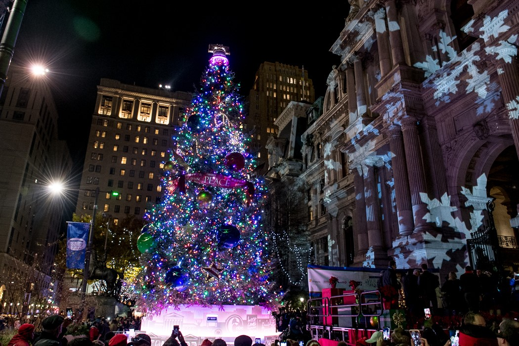 Philadelphia's City Hall Tree Lighting - COMCAST'S MACHINEQ USES inteliLIGHT® TO DEPLOY ITS SMART CITY